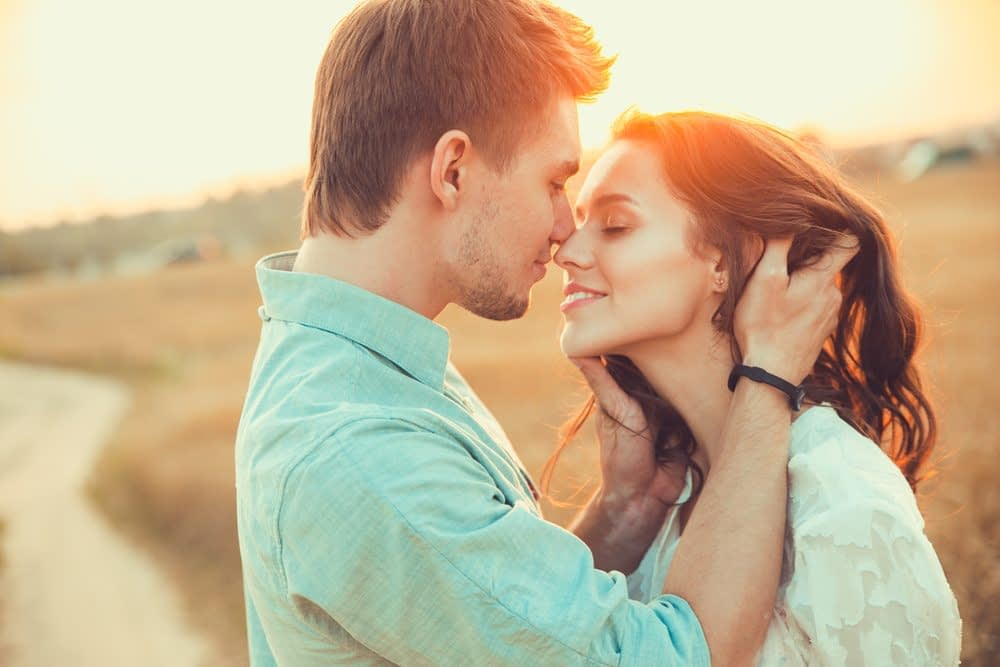 2 people in love, signs you've found your soulmate